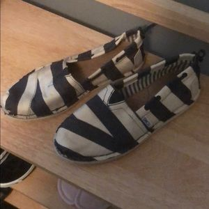 Toms Blue and Off-White Striped Flats, 7 1/2